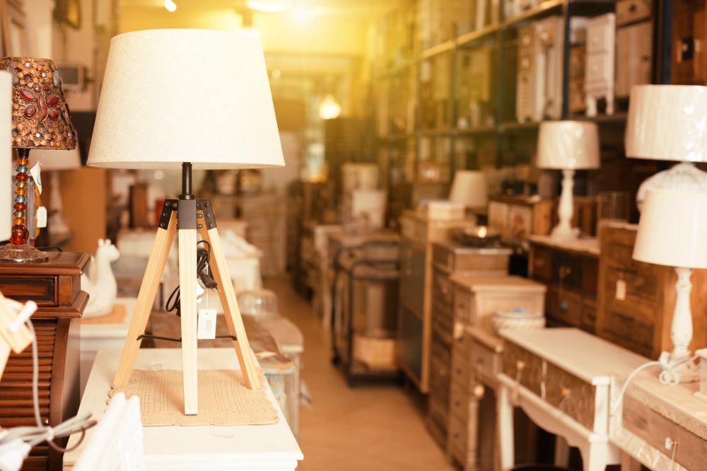 ältere möbel auf dem flohmarkt verkaufen