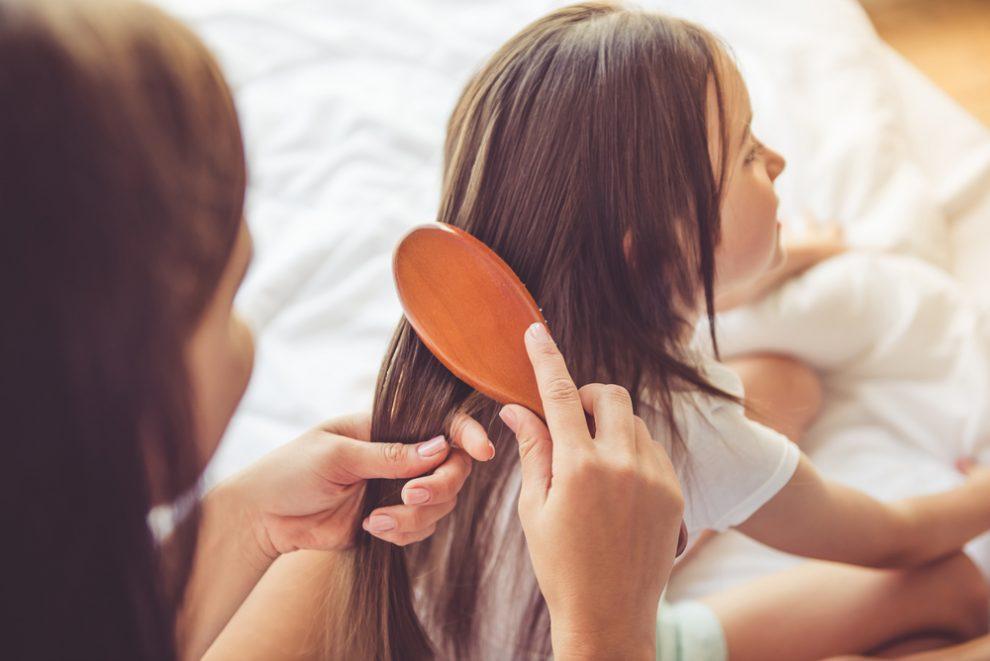 Kaugummi aus Haaren entfernen