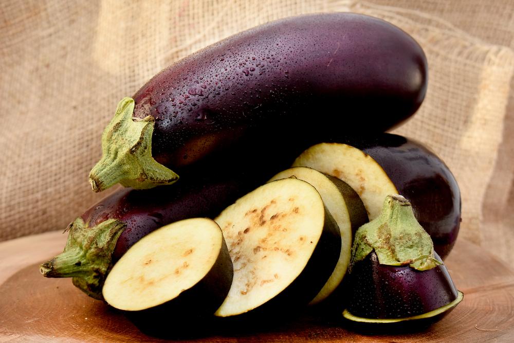 braune flecken auf aubergine
